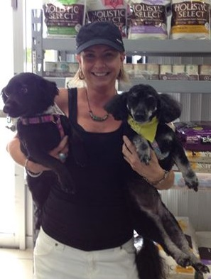 photo, happy cutomer and her 2 dogs